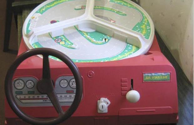 игрушки ссср - железные машинки с педалями ссср