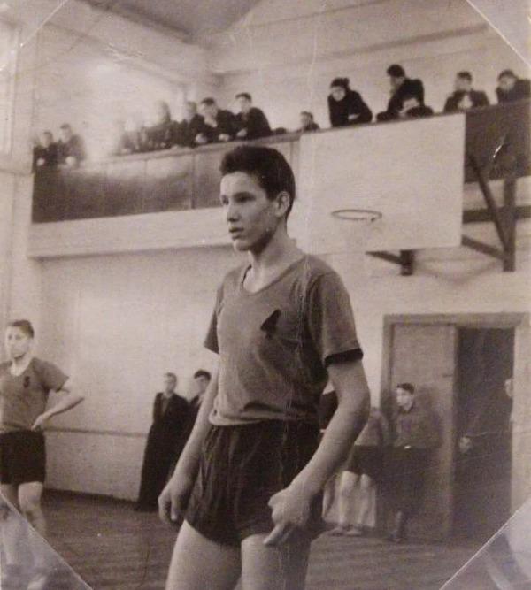 Борис ельцин в молодости фото